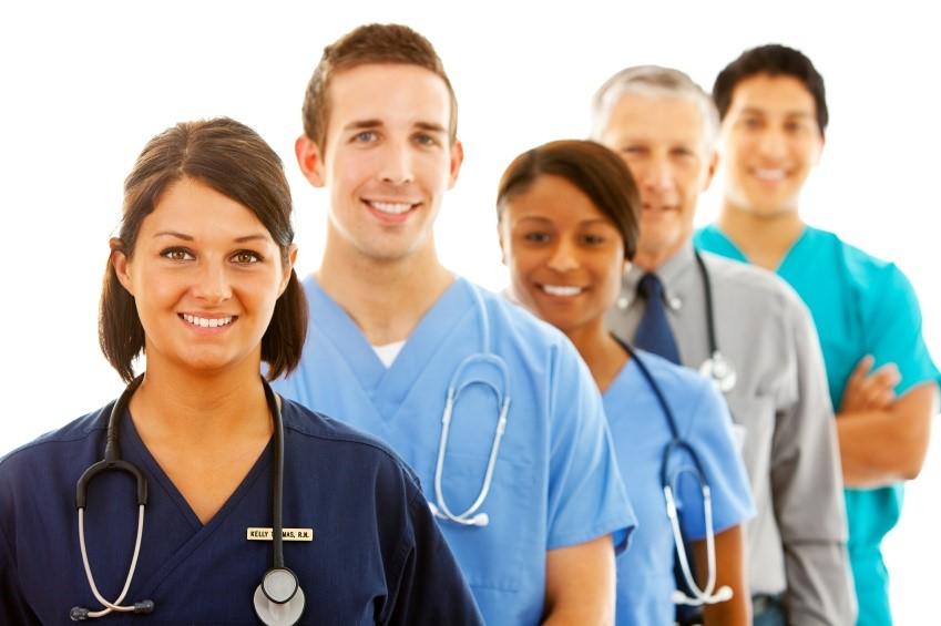 5 doctors standing in a row